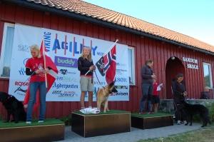 Julie Strøm vinner av klasse Hopp 1 Stor